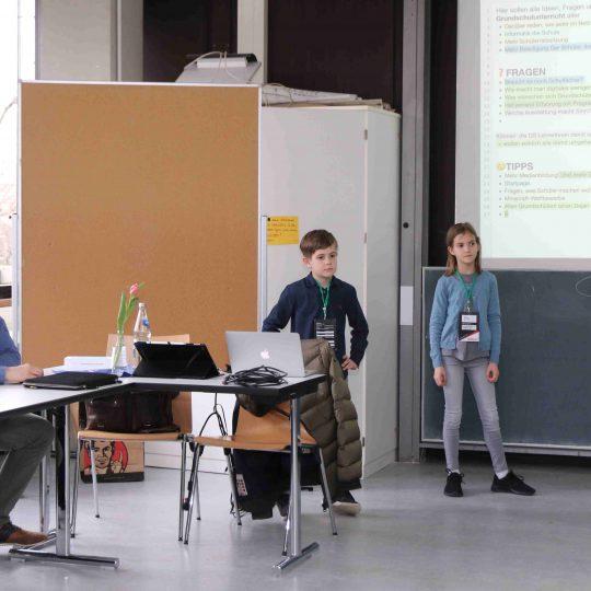 https://www.barcamp-freiburg.de/wp-content/uploads/2018/03/KMZ-FR-170318-E-131-540x540.jpg