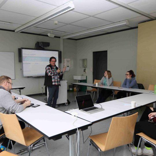 https://www.barcamp-freiburg.de/wp-content/uploads/2018/03/KMZ-FR-170318-E-206-540x540.jpg