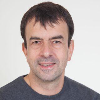 Patrick Blumschein: Ich komme zum Barcamp Lernräume, weil ich mich mit anderen Menschen dazu austauschen will und mich die Vielfalt der Beiträge fasziniert.
